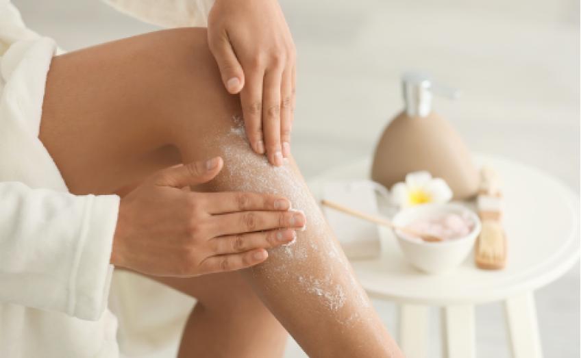 Perché è importante esfoliare la pelle dopo l'estate